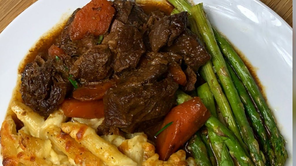TENDER BEEF IN A SLOW COOKER || SLOW COOKER RECIPES || TERRI-ANN'S KITCHEN